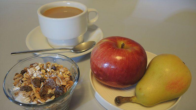 Cafe Con Leche Sin Azucar Muesly Y Fruta Compressor